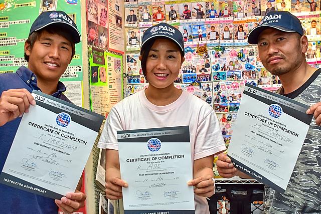 沖縄 PADIインストラクター試験合格