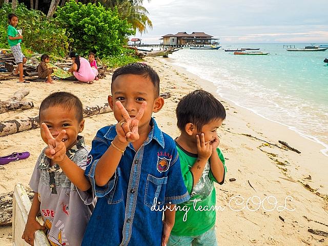 デラワン島の子供達
